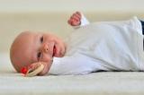 Могут ли зубы в 2 месяца: этапы развития ребенка, нормы прорезывания зубов и мнение педиатров