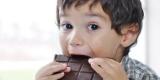 С какого возраста ребенку можно давать шоколад? Советы для родителей