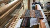 Как определить долевые нити на ткани?