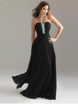 Как правильно подобрать украшение под вырез платья?