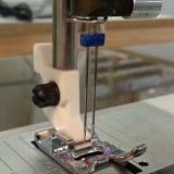 Как заправить и двойной иглой шить на швейной машине?