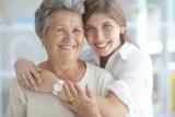 Что подарить бабушке на 85 лет: интересные идеи, полезные подарки, сувениры